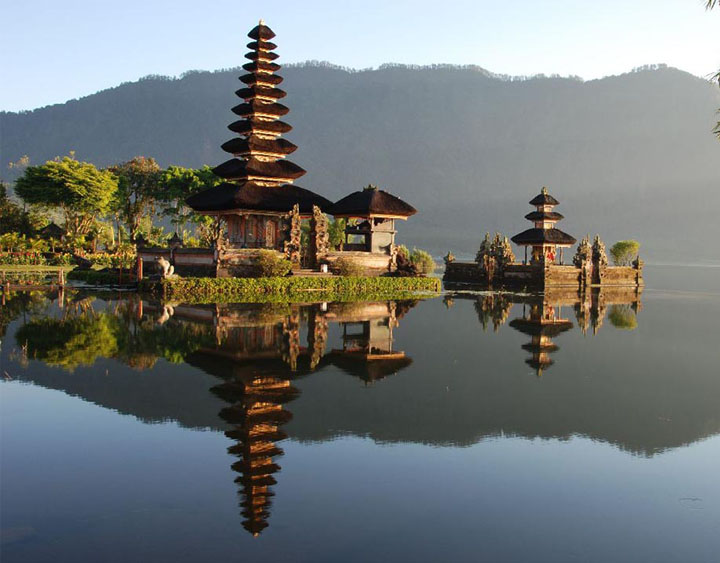 Bratan Lake and Candi Dewi Danu