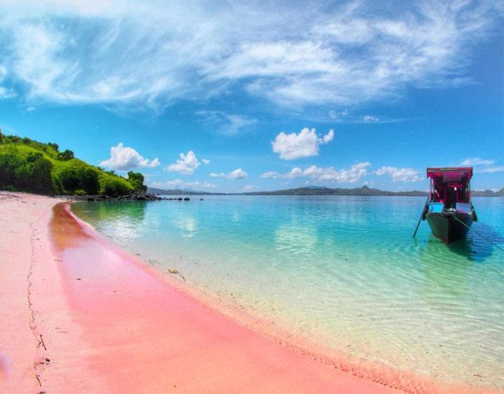 Pantai Merah (Pink Beach)