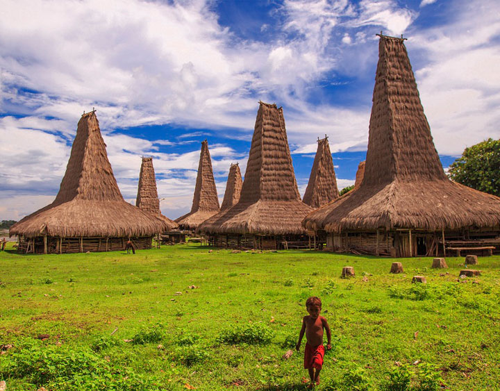 Ratenggaro villages