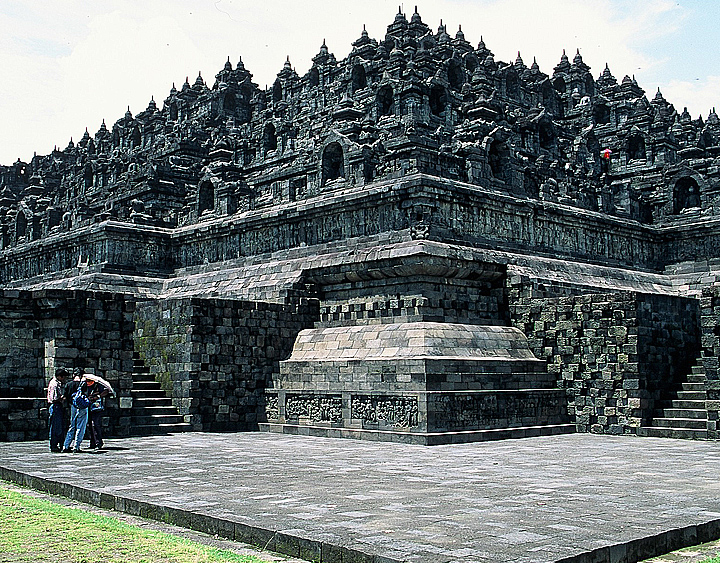 Travel to Borobudur
